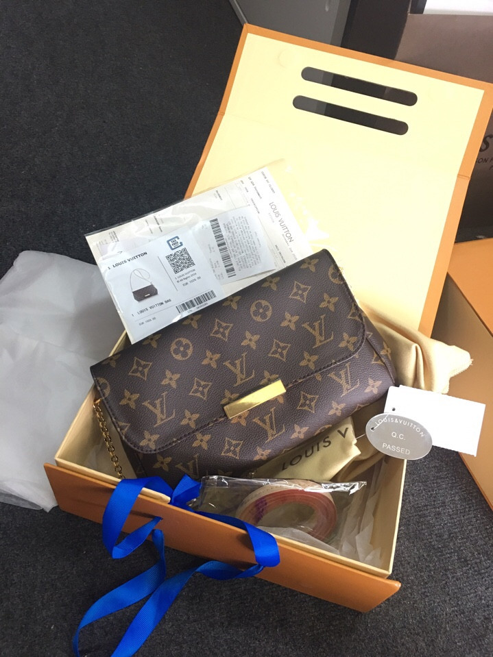 Louis Vuitton Favorite M40718
