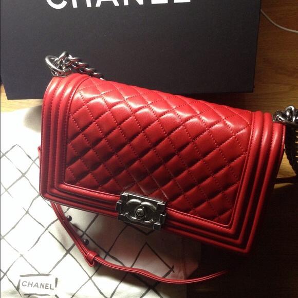 Túi xách Chanel Boy Lambskin Màu đỏ