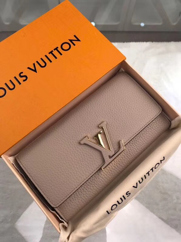 Ví Nữ Louis Vuitton Capucines Màu Xám Vnlv0003 Hàng Siêu Cấp